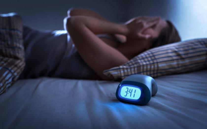 Relación entre piel y alteraciones del sueño.